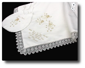 Christening shawl in Ivory satin Angels design