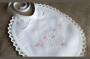 Traditional linen bib