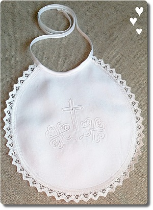White linen with Shamrock design bib